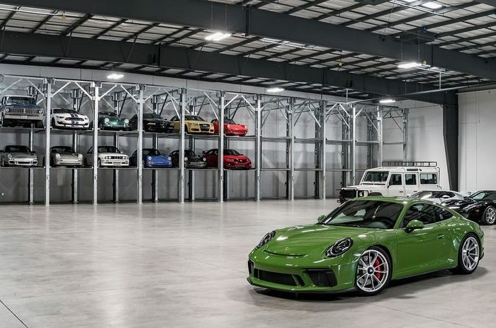 https://madracergarageclub.com/wp-content/uploads/2020/09/garaje-vehiculo-clasico-madrid-precio-700x463.jpg